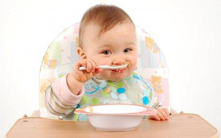 Правильно розвиток малюка в 7 місяців
