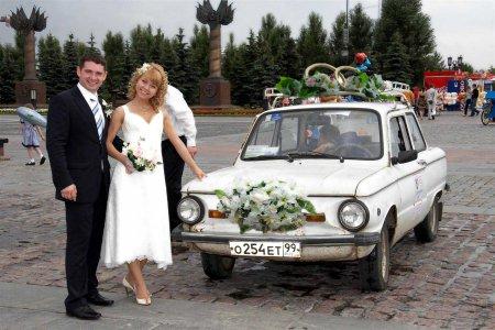 Прикрашання весільних машин
