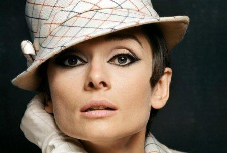 Как сделать макияж в стиле 60-х годов
