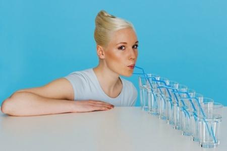 сколько жидкости пить при беременности