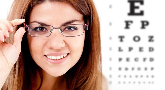 Нужно ли при близорукости постоянно носить очки при
