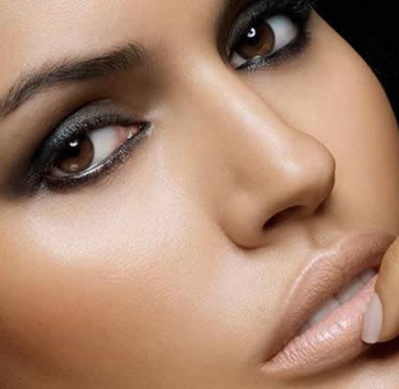 Як робити макіяж для карих очей на кожен день: поради візажистів