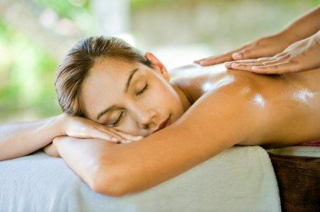 Як зробити шкіру гладкою і пружною: ТОП-5 масок для тіла з медом