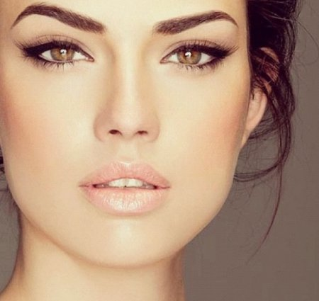 Как правильно сделать макияж для карих глаз