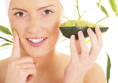 Чистка обличчя фруктовими кислотами в домашніх умовах