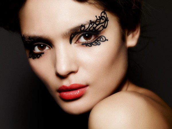 Best eye makeup for dark brown eyes