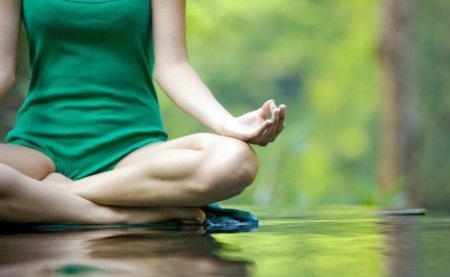 Кундаліні йога: користь від східної практики