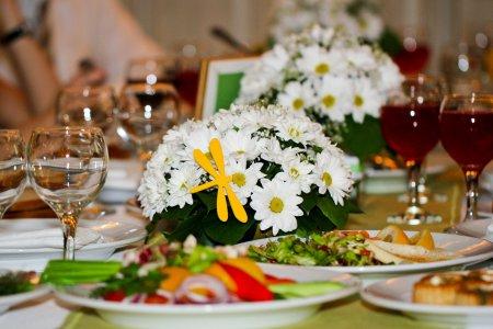 Як скласти весільне меню