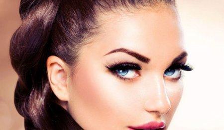 Як робити макіяж з нарощеними віями