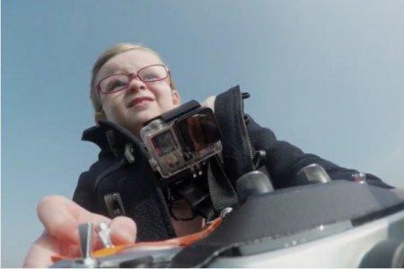 Краш-тест грузовика 4-х летней девочкой