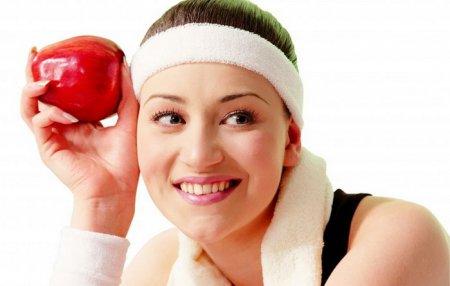Як правильно харчуватися, займаючись в тренажерному залі?