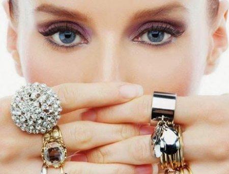 Стилист «Модного приговора» делится актуальными советами по выбору украшений
