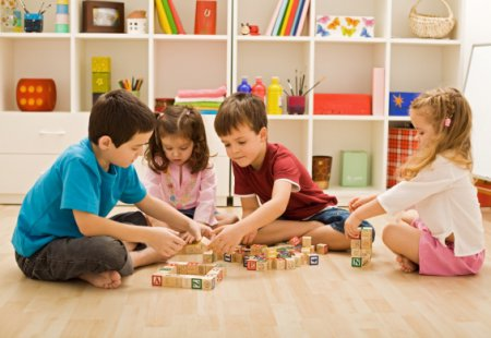 Методика воспитания по Монтессори: плюсы и минусы