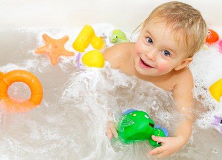 Як привчити дитину митися. Не поспішайте