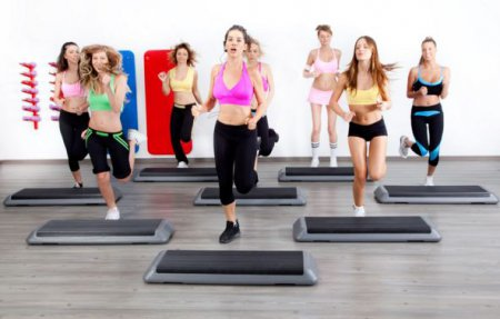 Степ аеробіка будинку - кращий спосіб схуднути