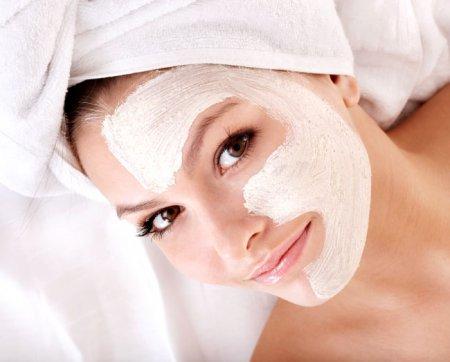 Здоровая, мягкая и бархатистая кожа за 3 дня: чистка лица глиной