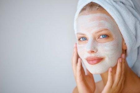 Маски для поліпшення кольору обличчя в домашніх умовах