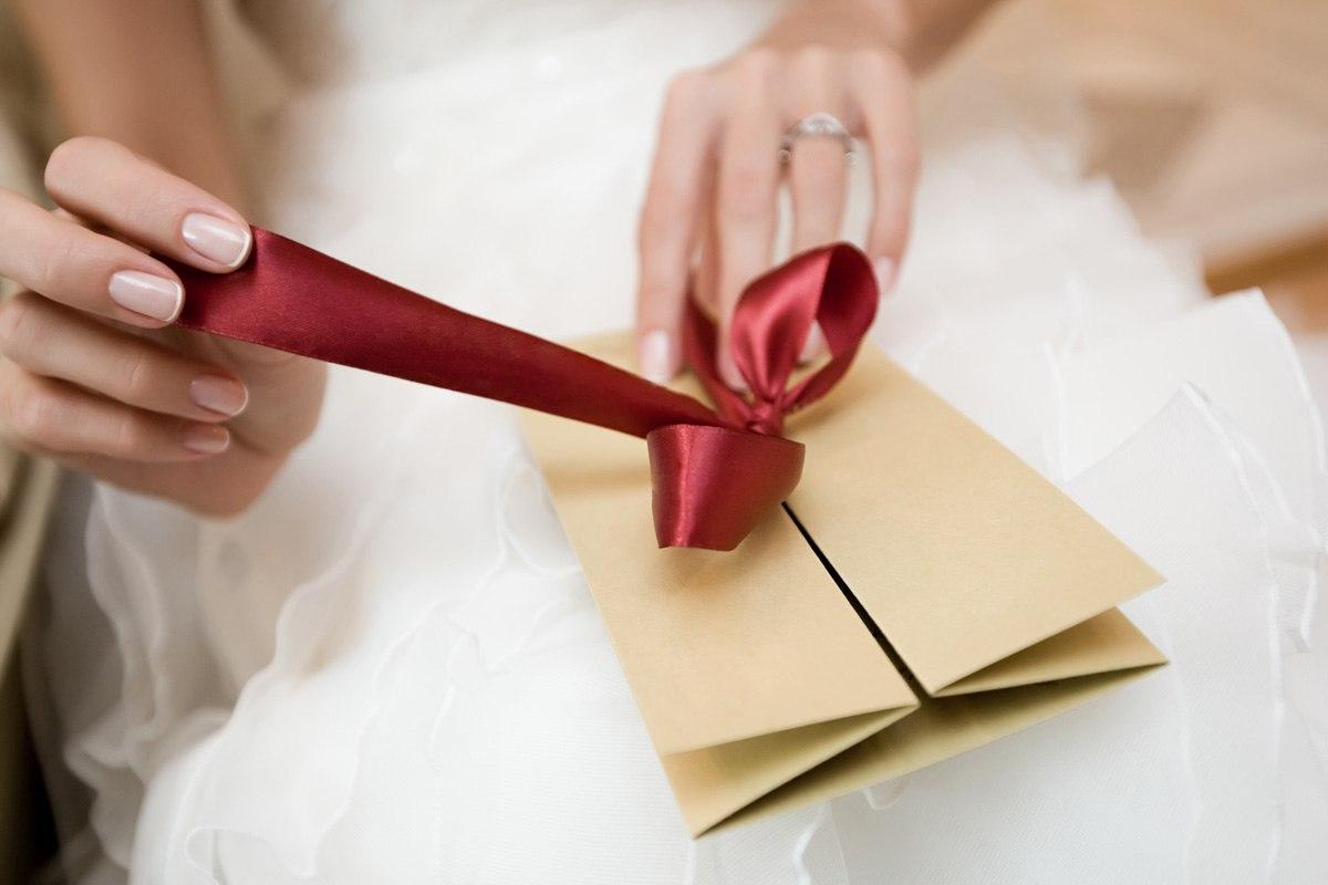 Какой подарок на свадьбу