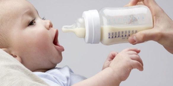 После кормления ребенок кричит