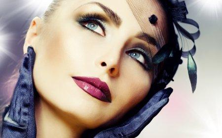 Эксперты рассказали, как сделать макияж своими руками