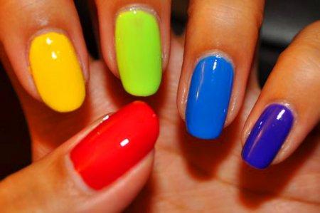 Маникюр: ногти разным цветом. ТОП-5 идей