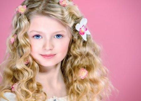 ТОП-3 зачіски для дівчаток, які можна зробити за 15 хвилин