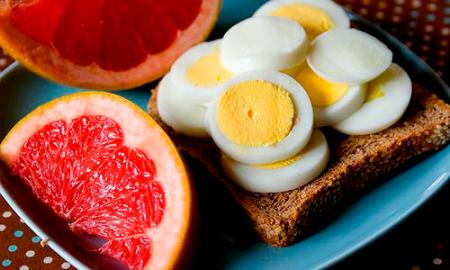 Грейпфрутовая диета с яйцом для похудения на 5 кг за 7 дней
