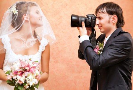 Як правильно фотографувати весілля