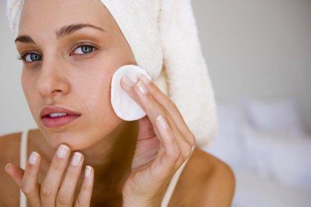 Як зробити мануальну чистку обличчя в домашніх умовах