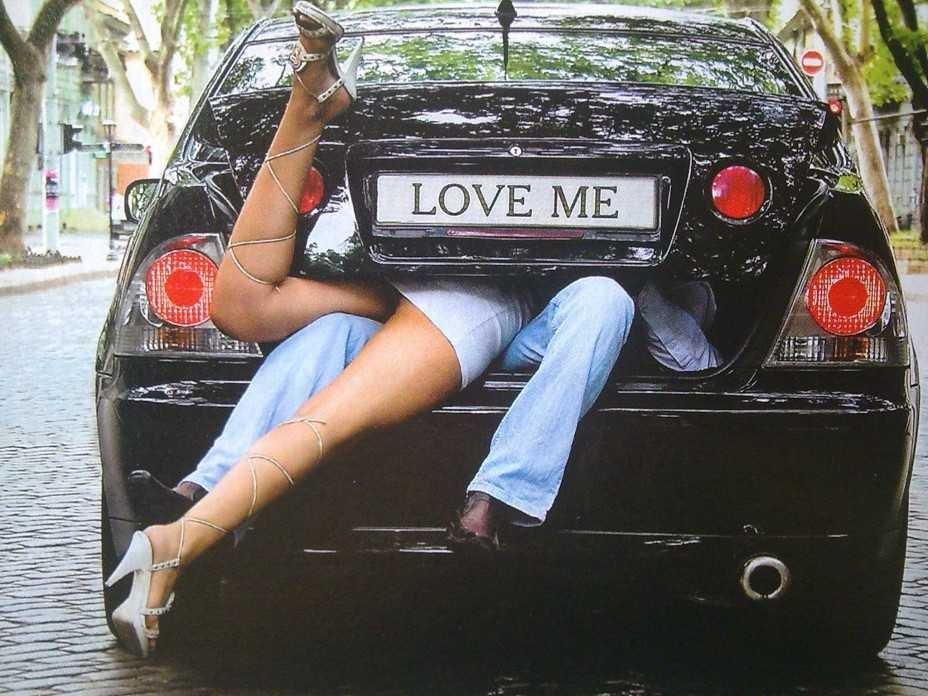 Фото секс в авто с двумя 15 фотография