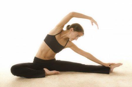 Йога или пилатес: специалисты рассказали, что лучше