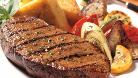 Оригінальні рецепти приготування м'яса в духовці