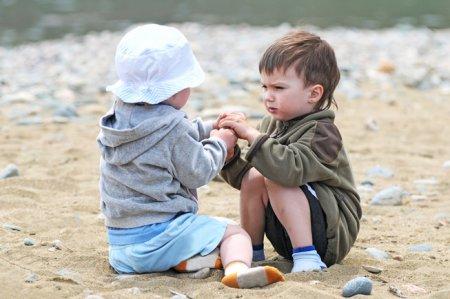 Психологи рассказали, как научить ребенка давать сдачи