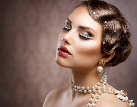 В моді жіночний макіяж в стилі 50х років
