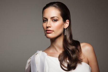 Как сделать стильную прическу на длинные волосы за 10 минут