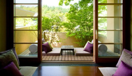 Як самостійно оформити інтер'єр балкона в східному стилі