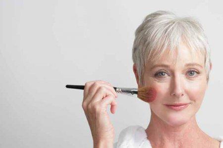 Як робити омолоджуючий макіяж тим, кому за 30