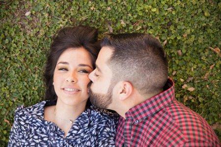 В каких случаях уместен поцелуй в щечку?