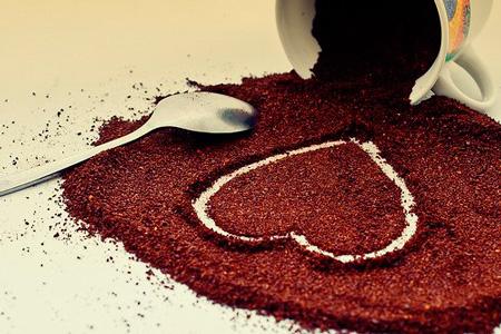 Чистка лица в домашних условиях: используем кофе