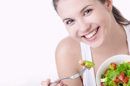 Дієтологи розповіли про 5 принципах режиму харчування при схудненні