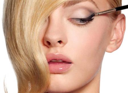 Как сделать макияж глаз цветными карандашами