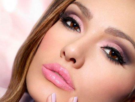 Как сделать идеальный макияж глаз розовыми тенями