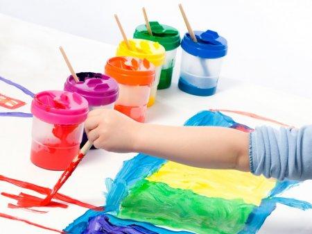 Як навчити дитину кольорам? Психологи розповіли