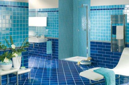 Інтер'єр ванної кімнати: блакитний колір