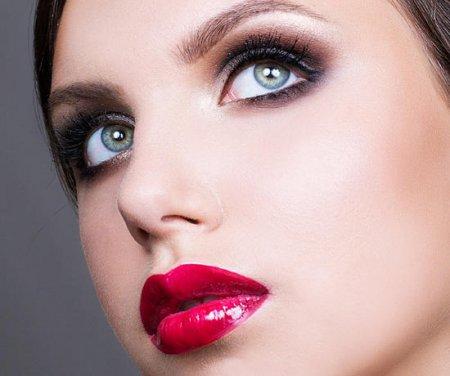 Як зробити макіяж очей швидко