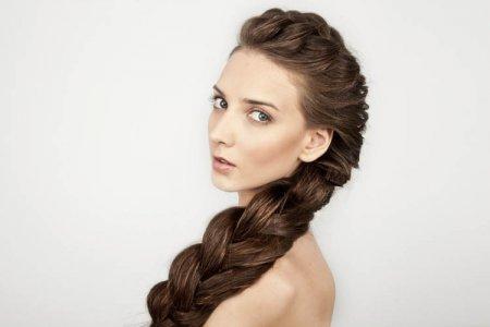 Плетение волос средней длины: ТОП-7 простых кос