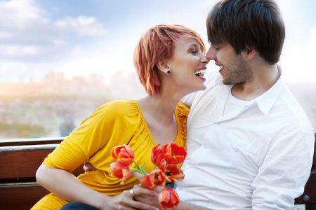 Как завести мужчину прикосновениями за 1 минуту: 5 простых способов