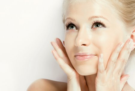 Чистка лица руками: избавьтесь от воспалений на коже за одну процедуру