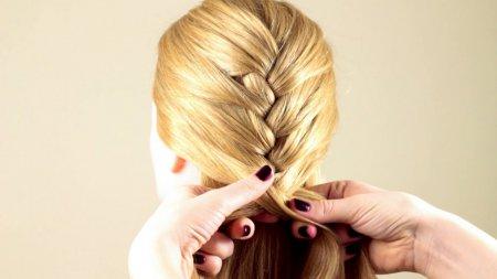 Красива зачіска своїми руками