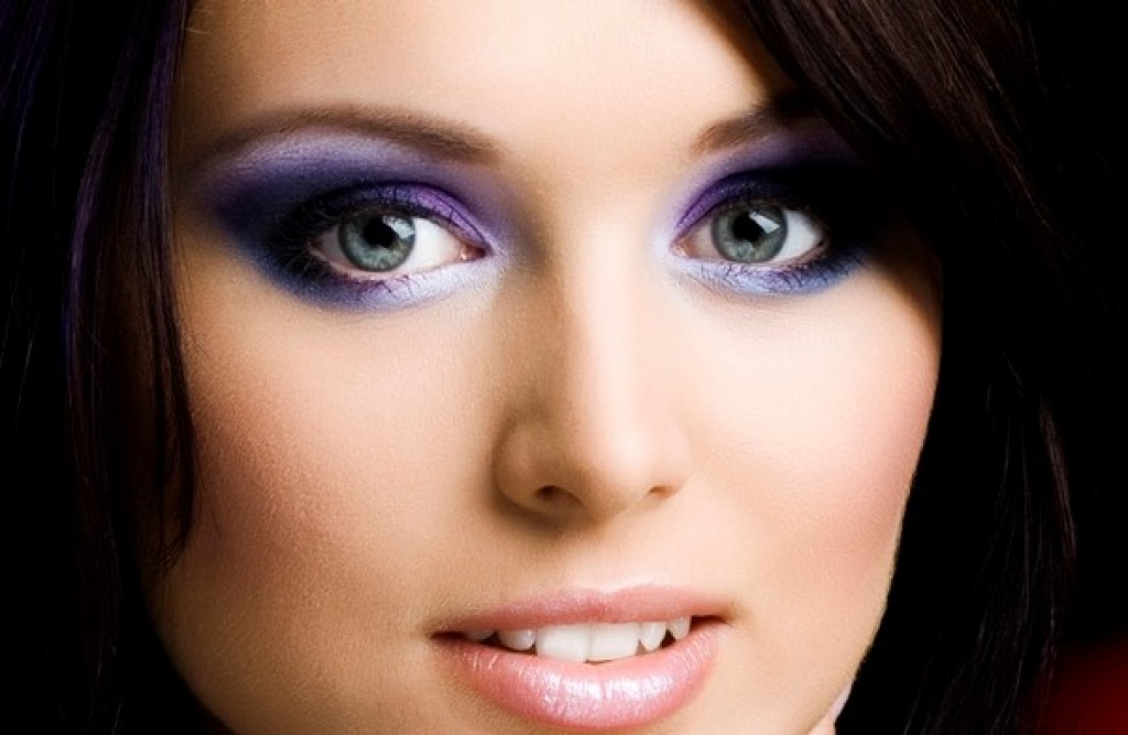 Beautiful makeup for green eyes
